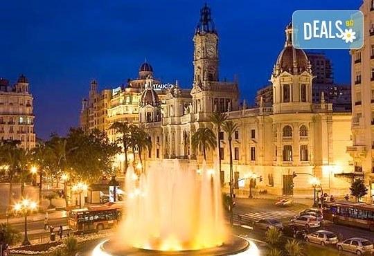Екскурзия през март във Валенсия, ренесансовия град на Испания! 4 нощувки със закуски и самолетен билет от Сън Травел! - Снимка 13