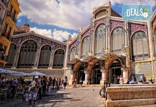 Екскурзия през март във Валенсия, ренесансовия град на Испания! 4 нощувки със закуски и самолетен билет от Сън Травел! - Снимка 5