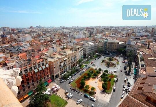 Екскурзия през март във Валенсия, ренесансовия град на Испания! 4 нощувки със закуски и самолетен билет от Сън Травел! - Снимка 9