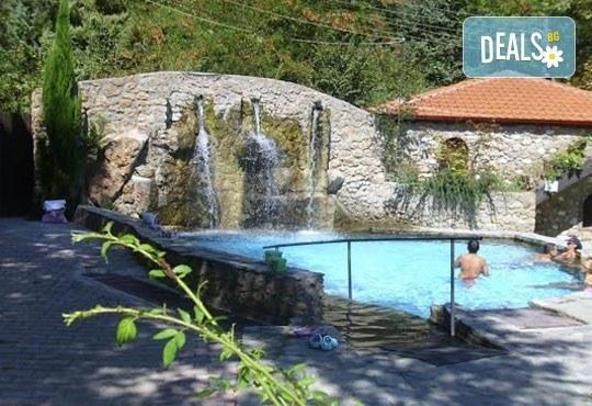 Пролетна почивка и горещи минерални извори в Гърция! 2/3/5 нощувки със закуски в Алмопия 3*, Лутраки! - Снимка 5
