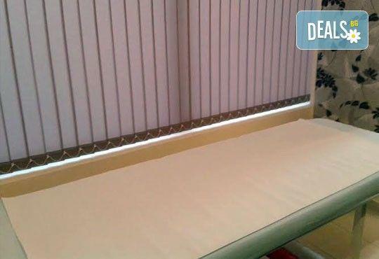 Ноктопластика с удължители, лакиране в цвят по избор, 50% отстъпка от декорации и 50% отстъпка от масаж по избор в салон АБ! - Снимка 4