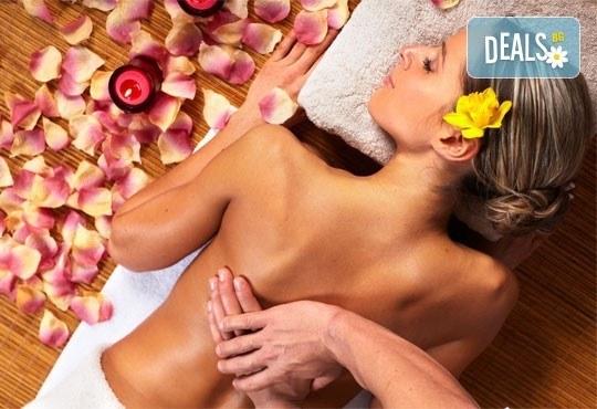 Хидратираща терапия за коса и оформяне със сешоар и класически масаж на цяло тяло с топли билкови масла от ADI'S Beauty & SPA! - Снимка 4