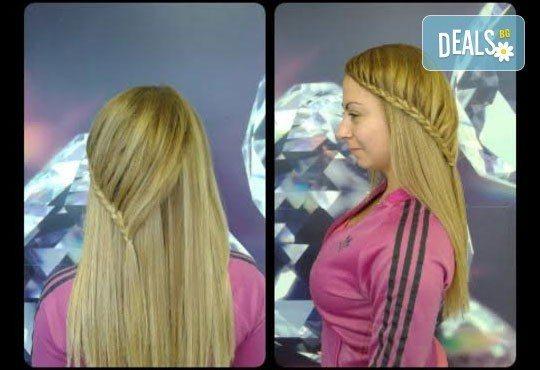 Блестяща и ослепителна коса! Подстригване, милк шейк терапия и оформяне със сешоар в салон Nails club в Младост 4! - Снимка 10