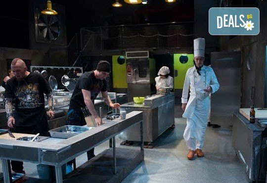 Култов спектакъл на сцената на Младежки театър! Гледайте Кухнята на 27.01 от 19.00ч, Голяма сцена, места балкон, 1 билет! - Снимка 7