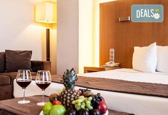 Незабравим уикенд в Солун през март! 2 или 3 нощувки със закуски/ закуски и вечери в хотел Domotel Les Lazaristes 5*! - Снимка 3