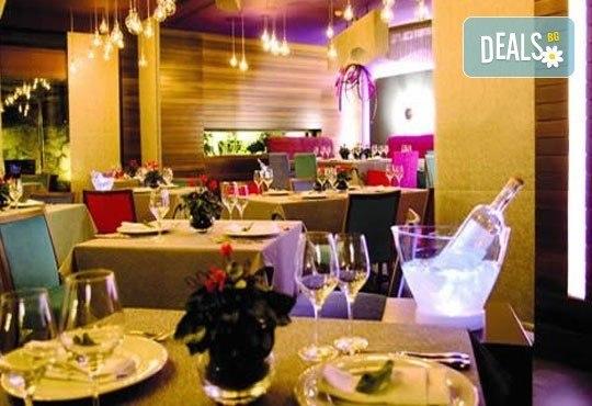 Незабравим уикенд в Солун през март! 2 или 3 нощувки със закуски/ закуски и вечери в хотел Domotel Les Lazaristes 5*! - Снимка 8