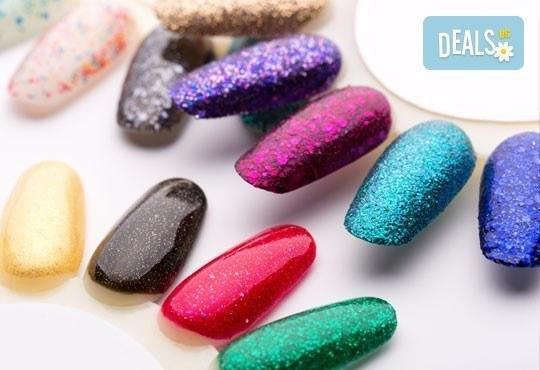 Ноктопластика с удължители или с изграждане, лак O.P.I. и ДВЕ АРТ декорации или камъчета в Студио LAURA STYLE - Снимка 4