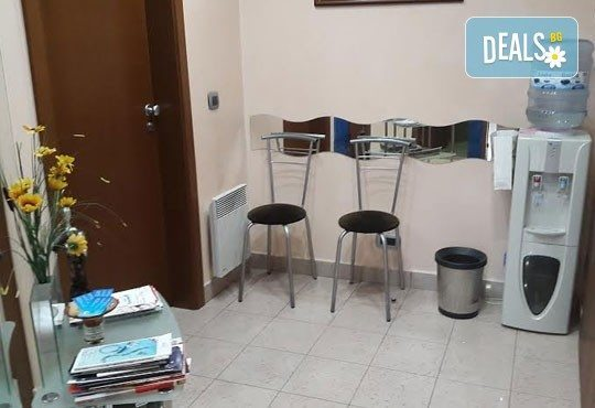 Почистване на зъбен камък и плака с ултразвук, полиране с Air Flow, бонус обстоен стоматологичен преглед от д-р Джорджев - Снимка 6