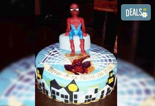Сбъднати детски мечти! Детска 3D торта с фигурална ръчно изработена декорация от Сладкарница Джорджо Джани - Снимка 2