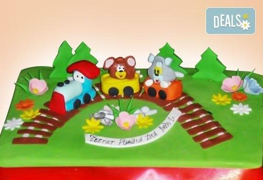 Сбъднати детски мечти! Детска 3D торта с фигурална ръчно изработена декорация от Сладкарница Джорджо Джани - Снимка 10