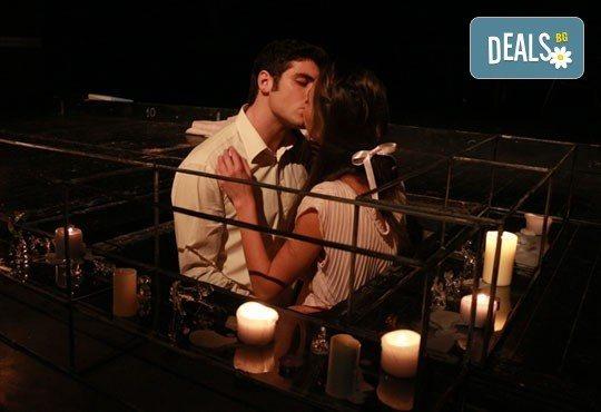 Гледайте ''Стъклената менажерия'' по Тенеси Уилиямс на 06.02. или 27.02. от 19ч. в ТР Сфумато - билет за един! - Снимка 3
