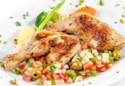 Перфектното обедно меню! Топла супа и основно ястие по избор от менюто на БИСТРО Мамбо в центъра на София - Снимка