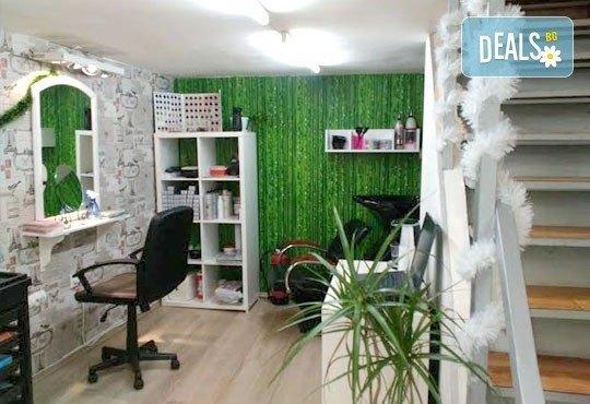 Подстригване, масажно измиване с шампоан и маска Romantic и оформяне със сешоар в студио за красота Five! - Снимка 6