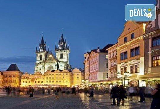 Майски празници в сърцето на Европа! 3 нощувки със закуски, транспорт и посещение на Прага, Братислава, Виена и Будапеща! - Снимка 7
