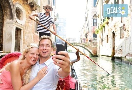 Свети Валентин в едни от най-романтичните градове на Италия! 2 нощувки със закуски, транспорт и водач! - Снимка 5
