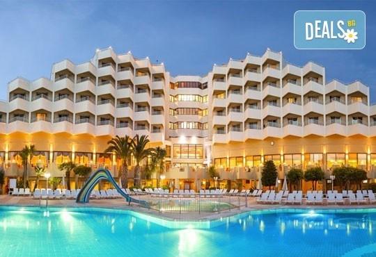 Почивка през май в Richmond Ephesus Resort 5*, Кушадасъ, Турция - 4 нощувки на база All Inclusive, безплатно за дете до 12г. - Снимка 1