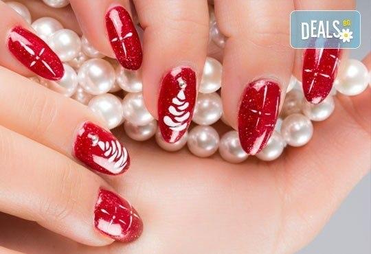 Дълготраен цветен акцент върху ноктите от Дерматокозметични центрове Енигма! Маникюр или педикюр с Astonishing nails! - Снимка 3