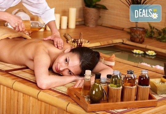 Масаж на цяло тяло и подарък: масаж на длани и ходила с топли билкови масла и ръчен масаж с топли камъни в студио GIRO! - Снимка 2