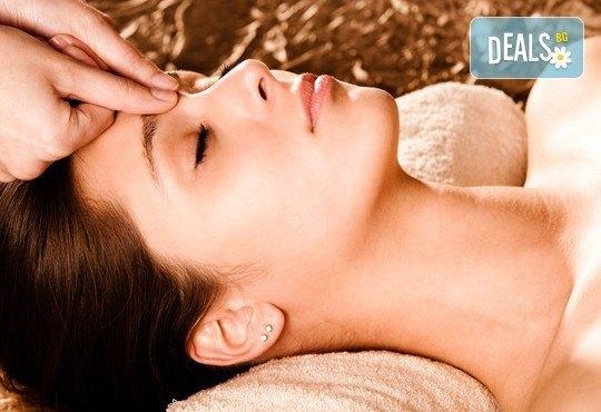 Масаж на цяло тяло и подарък: масаж на длани и ходила с топли билкови масла и ръчен масаж с топли камъни в студио GIRO! - Снимка 3