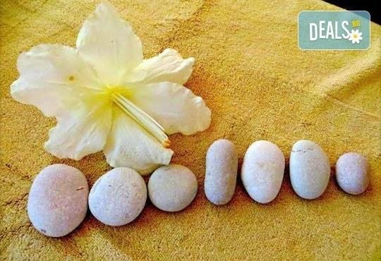 Пълно отпускане на тялото и ума! Лечебен масаж с горещи камъни на цяло тяло, лице и скалп в Wellness Place BEL! - Снимка 5
