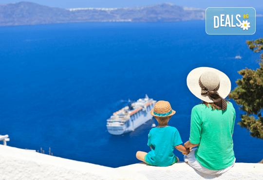 Великден на о. Санторини - скъпоценния камък на Егейско море! 4 нощувки със закуски, транспорт и екскурзия до Ия! - Снимка 1