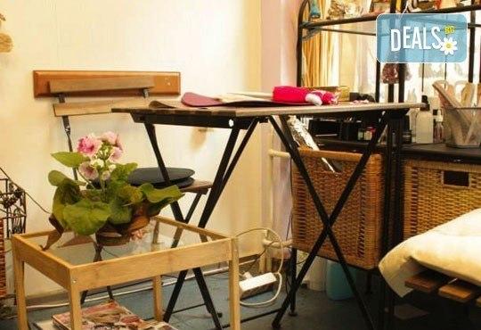 Изящен поглед! Удължаване и сгъстяване на мигли косъм по косъм от естествена коприна в студио за красота Victoria Sonten - Снимка 3