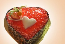 За Свети Валентин вземете торта Червено сърце от Сладкарница Орхидея - Снимка
