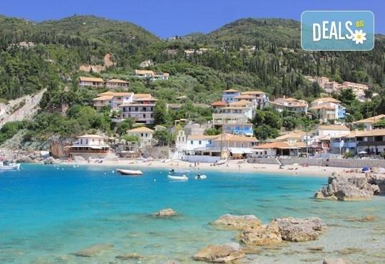 Ранни записвания за морска почивка в период по избор на о. Лефкада, Гърция! 5 нощувки със закуски в Sunrise Hotel 3* и транспорт! - Снимка 2