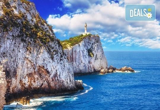 Ранни записвания за морска почивка в период по избор на о. Лефкада, Гърция! 5 нощувки със закуски в Sunrise Hotel 3* и транспорт! - Снимка 4
