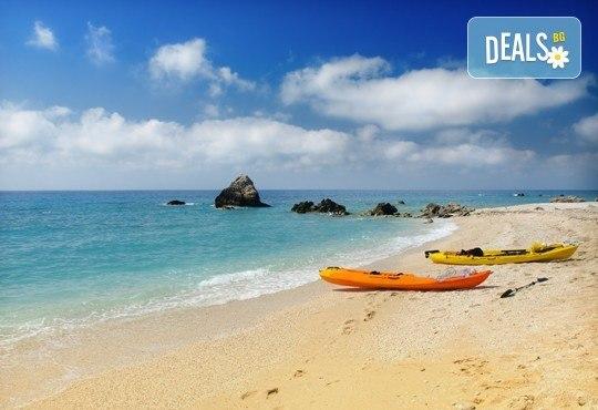 Ранни записвания за морска почивка в период по избор на о. Лефкада, Гърция! 5 нощувки със закуски в Sunrise Hotel 3* и транспорт! - Снимка 1