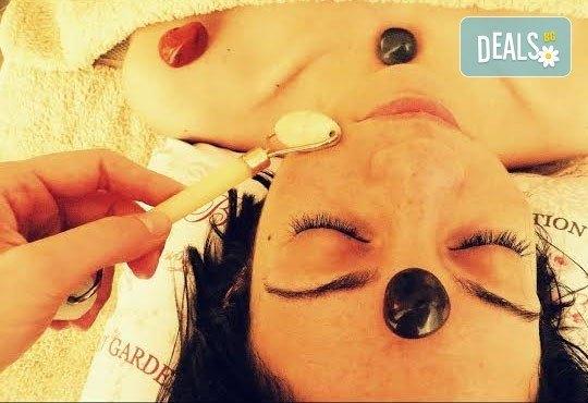 Еластична кожа и бистър тен с вълшебен 60-минутен масаж на тяло с полускъпоценни камъни в Wellness Place BEL! - Снимка 3