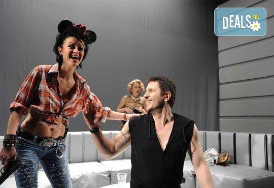 Гледайте Асен Блатечки в ''Пуканки'', на 19.02, от 19 ч, Театър Открита сцена ''Сълза и смях'' - Снимка 7