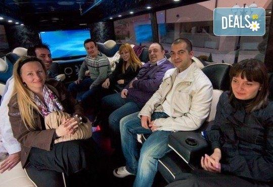 За една незабравима вечер! Наем на пътуващ Party Bus за 1 или 2 часа с 32 седящи места и еротична шоу програма! - Снимка 7