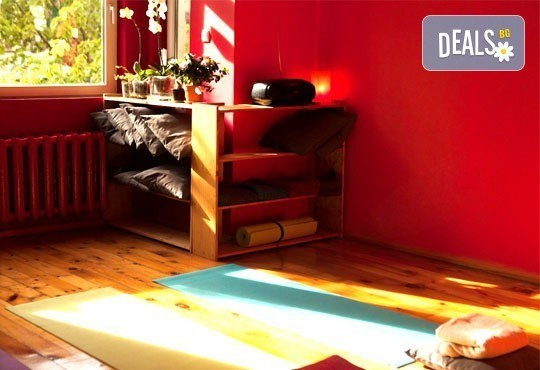 Релаксирайте и се избавете от болките със 70-минутен лечебен масаж на цяло тяло в Йога и масажи Айя! - Снимка 7