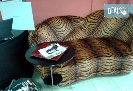 Изграждане с гел във форма по желание на клиента, лакиране с лак OPI/CND и декорации по желание в салон Белисима! - Снимка 4