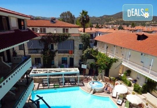 Почивка през май или септември в Гърция, Халкидики! 3 нощувки със закуски и вечери в Philoxenia Spa Hotel, транспорт и обиколка на Солун! - Снимка 1