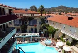 Почивка през май или септември в Гърция, Халкидики! 3 нощувки със закуски и вечери в Philoxenia Spa Hotel, транспорт и обиколка на Солун! - Снимка