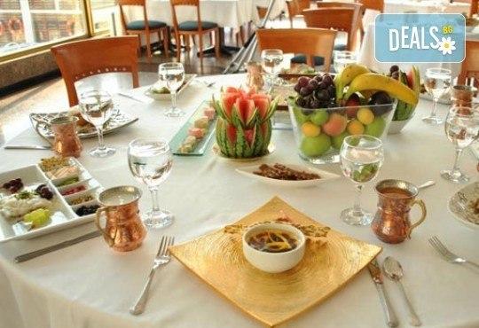 Почивка на брега на Мраморно море в Истанбул, Кумбургаз! 1 нощувка със закуска в Artemis Marin Princess 5* в период по избор! - Снимка 8