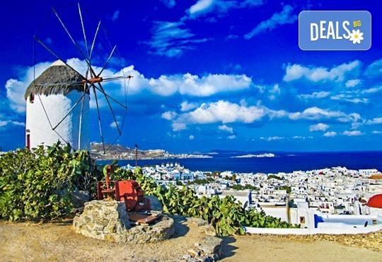 Магична почивка на о. Миконос в Гърция през май или юни! 4 нощувки със закуски, транспорт и фериботни билети и такси! - Снимка 3