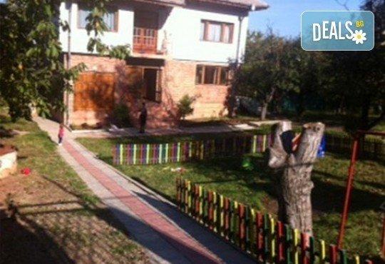 Едномесечно целодневно посещение на 1 дете с 4 хранения в Частна детска ясла и градина Таткова градина! - Снимка 2