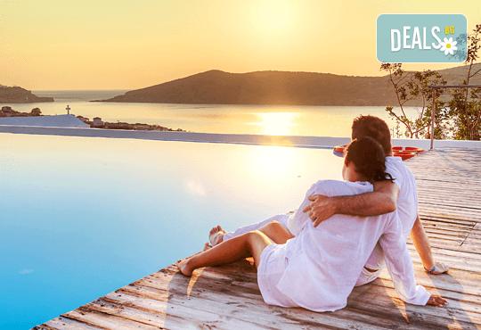 Слънчев уикенд на красивия остров Амулиани, Гърция! 2 нощувки със закуски, транспорт, водач и фериботни такси и билети! - Снимка 1