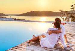Слънчев уикенд на красивия остров Амулиани, Гърция! 2 нощувки със закуски, транспорт, водач и фериботни такси и билети! - Снимка