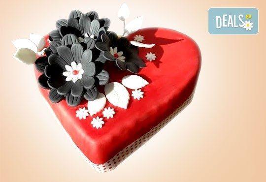 За любимата жена! Подарете Торта Сърце за разпалване на любовта от Сладкарница Джорджо Джани - Снимка 1