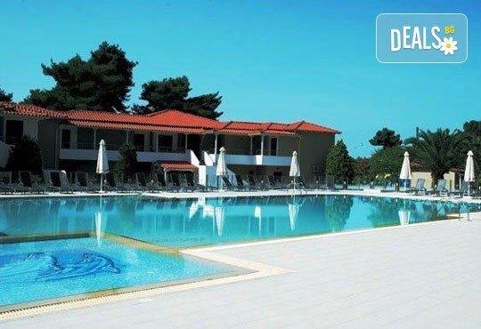Почивка от май до септември в Lagomandra Beach Hotel 4*, Халкидики: 4 или 5 нощувки в двойна супериор стая, със закуски и вечери! - Снимка 3