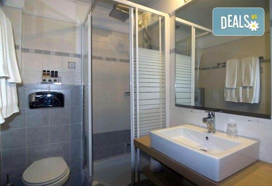 Почивка от май до септември в Lagomandra Beach Hotel 4*, Халкидики: 4 или 5 нощувки в двойна супериор стая, със закуски и вечери! - Снимка 5
