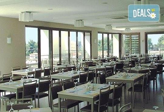 Почивка от май до септември в Lagomandra Beach Hotel 4*, Халкидики: 4 или 5 нощувки в двойна супериор стая, със закуски и вечери! - Снимка 8