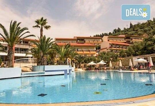 Почивка от май до септември в Lagomandra Beach Hotel 4*, Халкидики: 4 или 5 нощувки в двойна супериор стая, със закуски и вечери! - Снимка 1