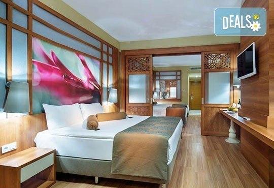 Майски празници в Анталия, Турция! 5 нощувки на база Ultra All Inclusive в хотел Xafira Deluxe Resort & Spa 5*! - Снимка 2