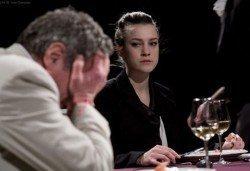 Екшън, комедия, драма? Гледайте Покана за вечеря на 28.02. неделя от 19ч, Камерна зала на театър ''София'', билет за един - Снимка