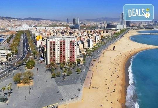 Екскурзия през май до слънчевата Барселона, Испания! 3 нощувки със закуски, самолетен билет и летищни такси! - Снимка 9